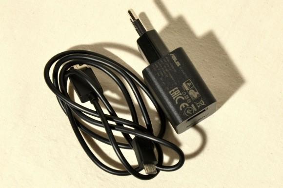 ASUS ZenFone 2 Laser (ZE500KL) - alimentator si cablu